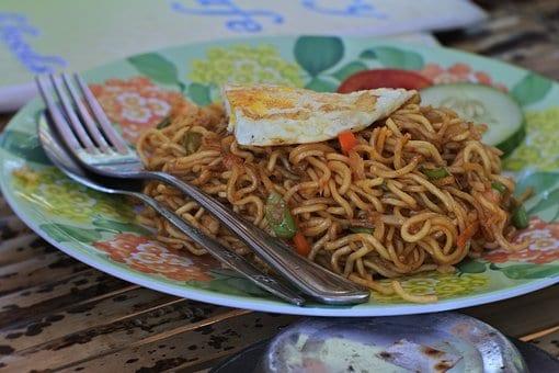 Chinese Food: Preparing The Chinese Chopsuey